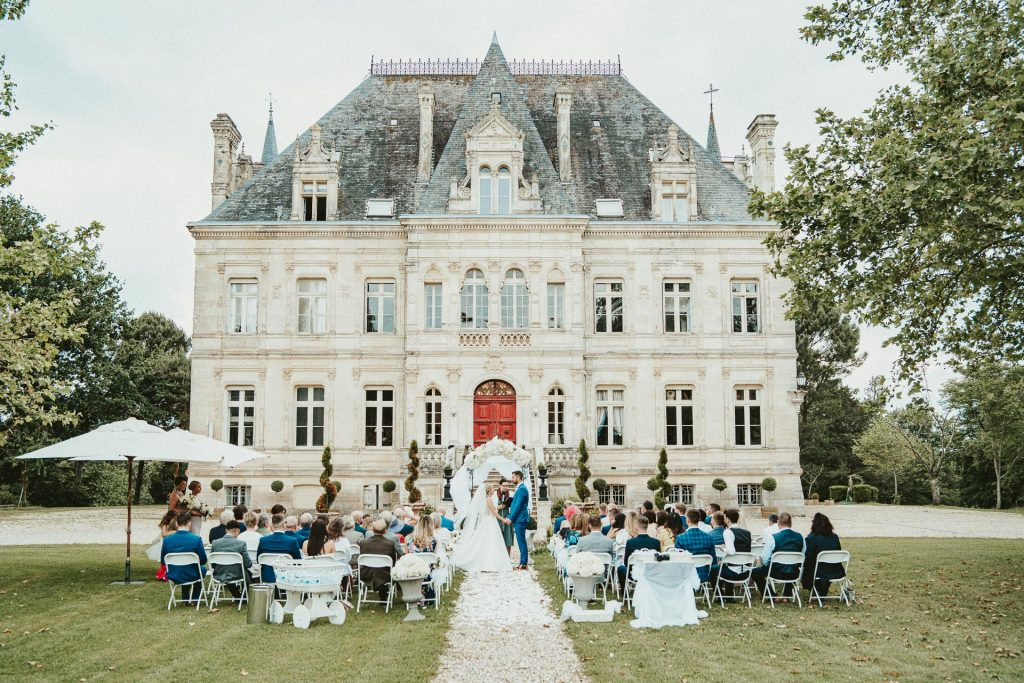 Wedding ceremony at Château de la Valouze