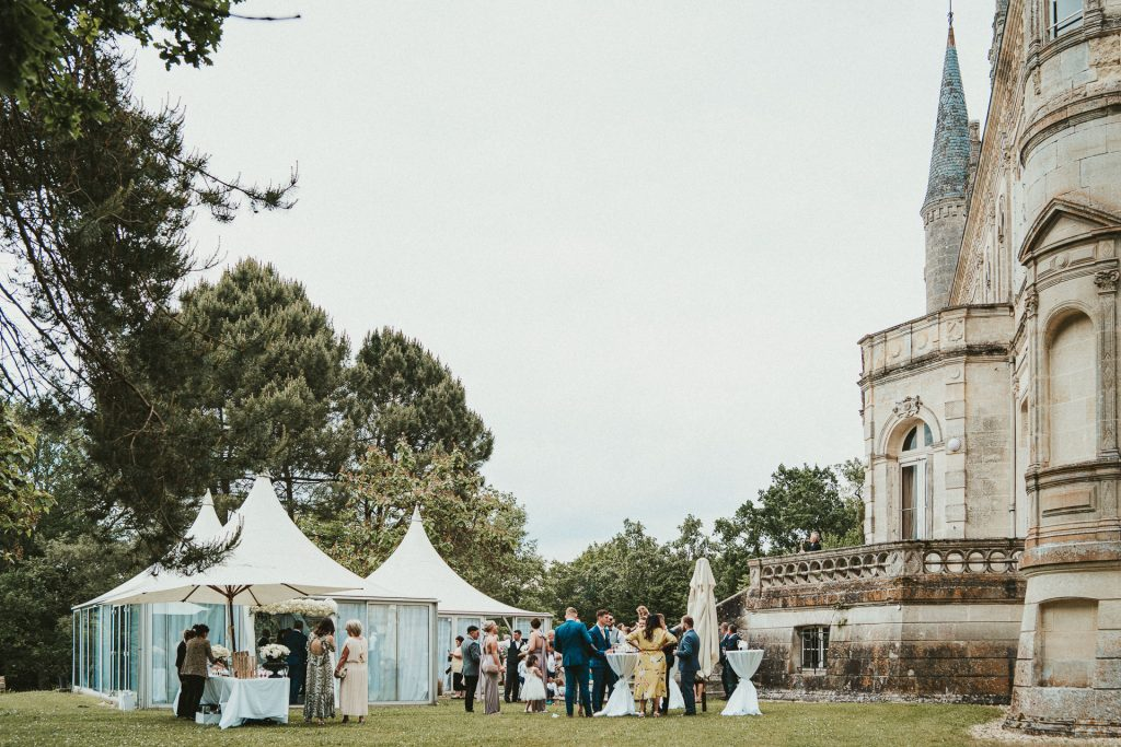 Wedding cocktail Château de la Valouze